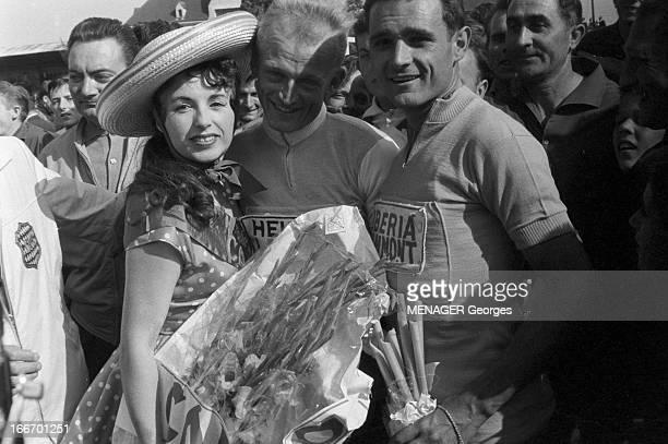 47Th Tour De France 1960 Juillet 1960 47ème tour de France Le vainqueur est Gastone NENCINI italien A l'arrivée à paris le 17 juillet Yvette HORNER...