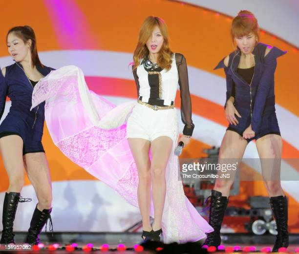 4minute perform during Incheon KPOP Concert 2012 at Munhak Sports Complex on September 9 2012 in Incheon South Korea