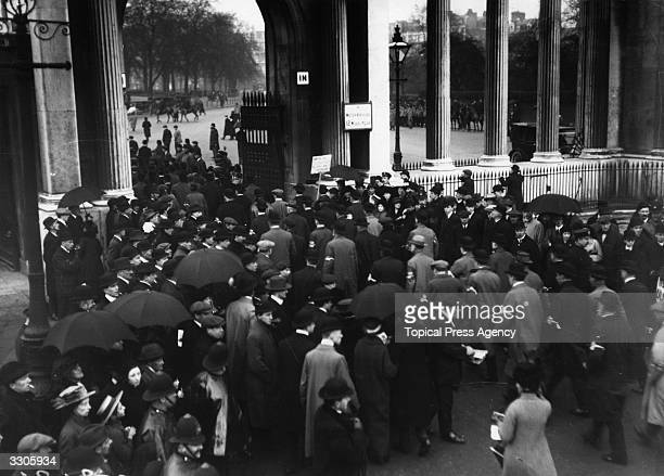 The Ulster and South West Ireland Unionists arriving at Hyde Park London for an antiHome Rule Rally