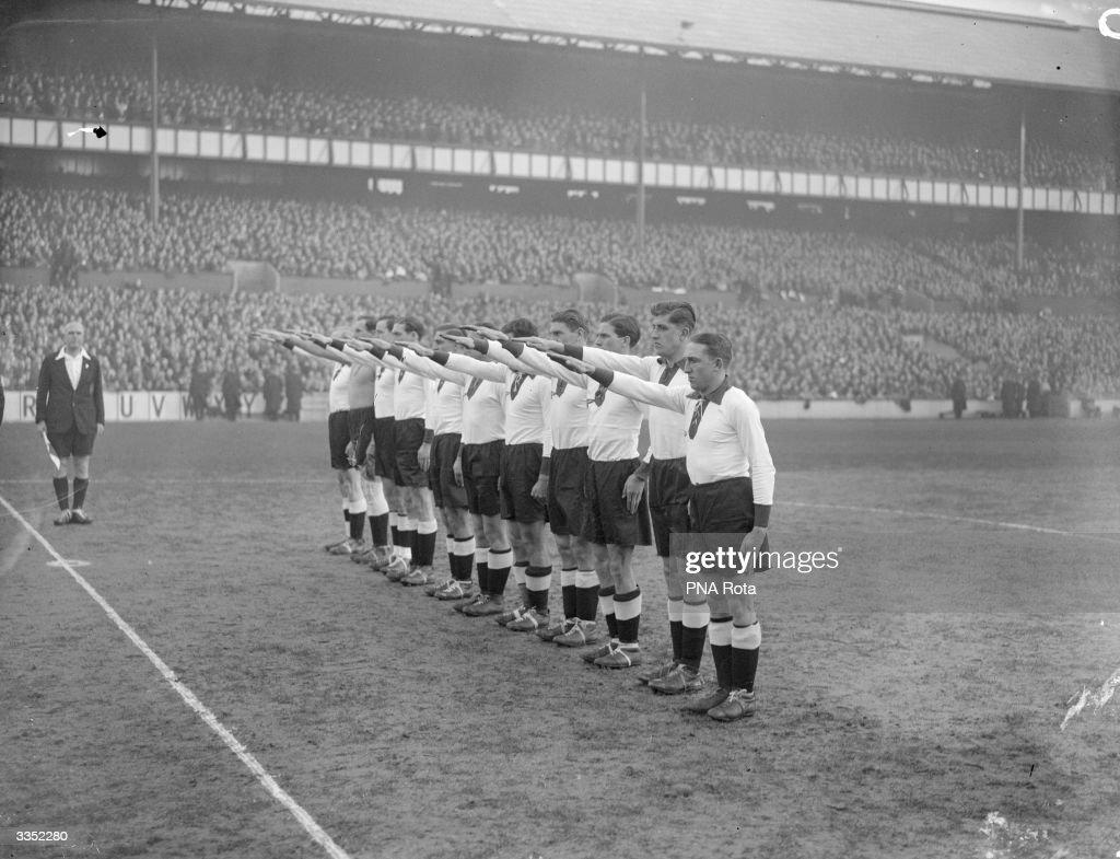 Nazi Football Team : News Photo