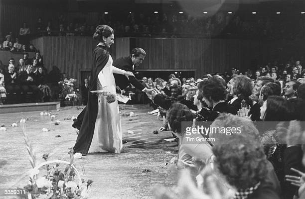 Opera singers Maria Callas and Giuseppe Di Stefano at a farewell concert at the Festival Hall London