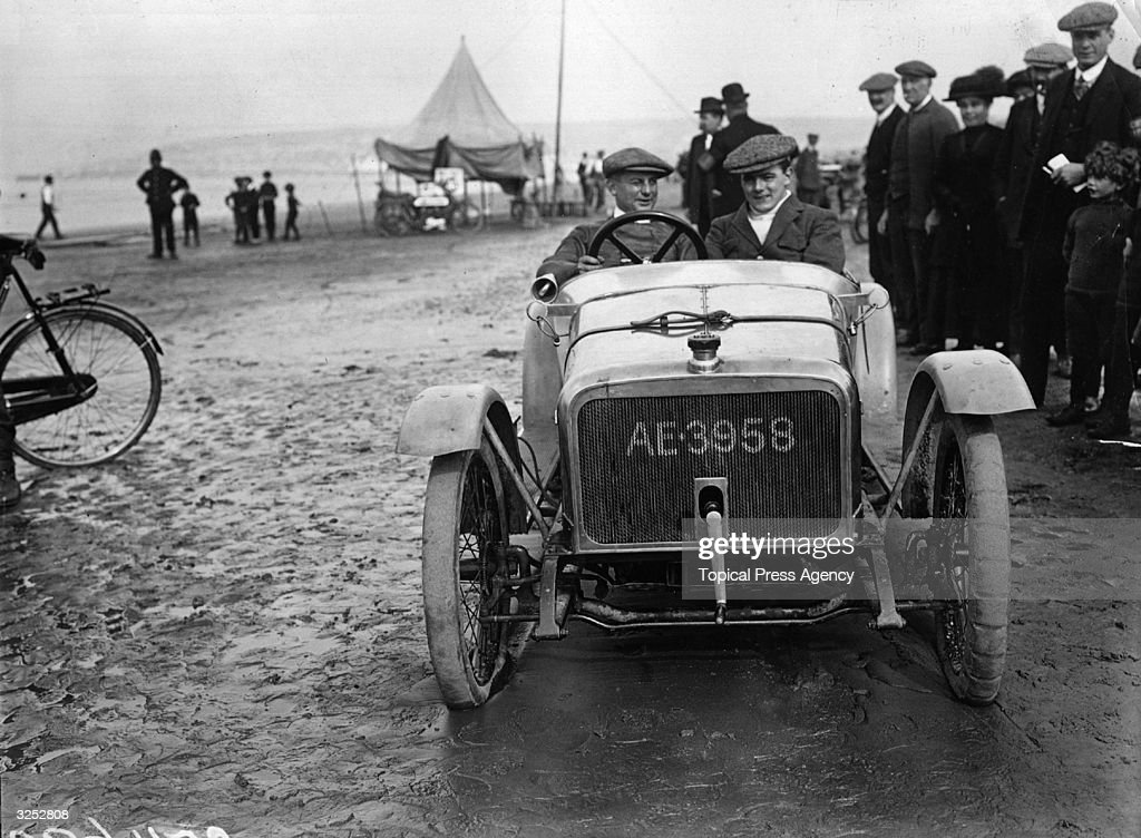 Douglas Cycle Car : News Photo