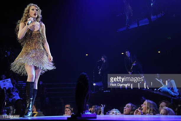 4time Grammy winner Taylor Swift took the unprecedented step of opening the last dress rehearsal for her Speak Now Tour for fans as a fundraiser to...