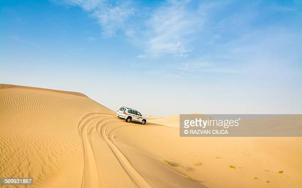 4x4 dune bashing - sand dune stock pictures, royalty-free photos & images