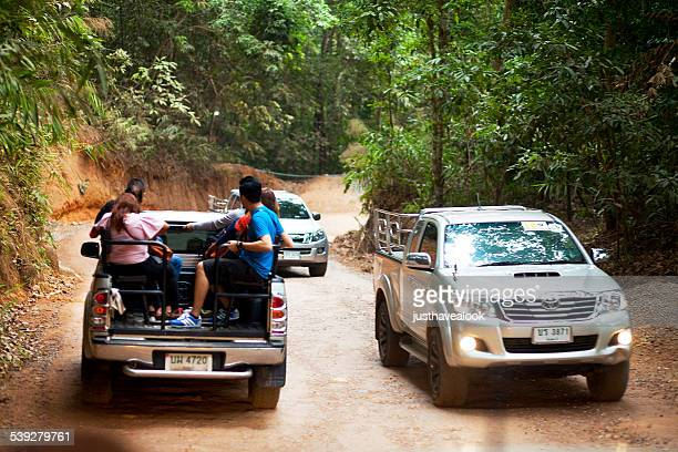 4x4 shuttle service uphill and downhill khao kitchakhut - chanthaburi stock pictures, royalty-free photos & images