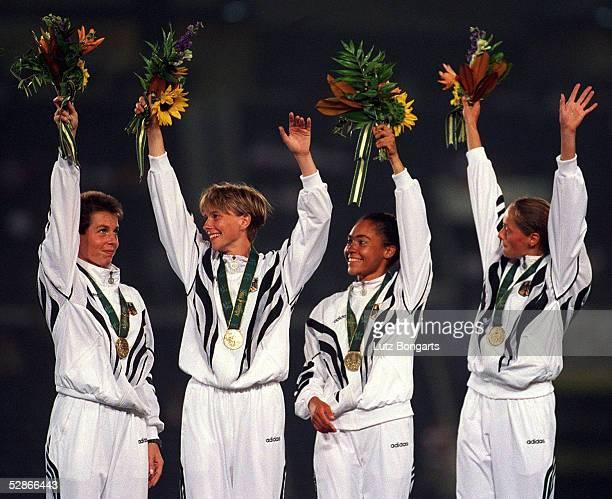 4x400m Staffel ATLANTA 1996 3.8.96, BRONZE - MEDAILLE fuer GER - TEAM, v.lks.: Grit BREUER, Anja RUECKER, Linda KISABAKA, Uta ROHLAENDER