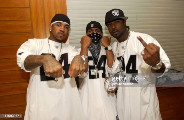 50Cent, amerikanischer Gangsta Rapper und Schauspieler, bei einem Konzert in Hamburg Hinter der Bühne, Deutschland 2003. American Gangsta rapper and...