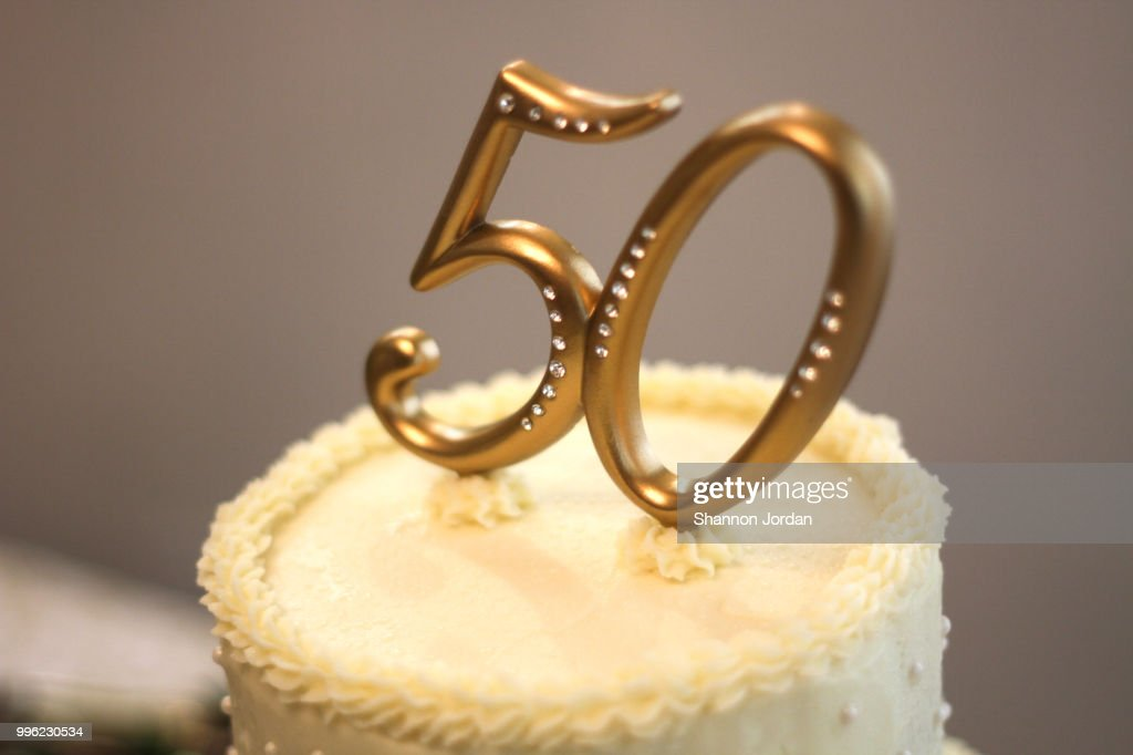 50th Wedding Anniversary Cake Stock Photo | Getty Images