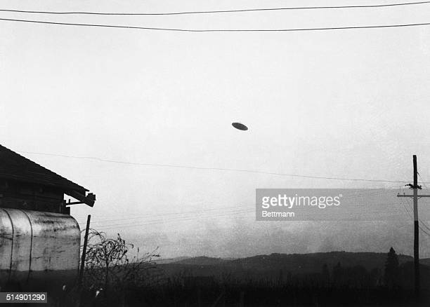 5/11/1950Minnville OR A picture of a flying saucer photographed by farmer Paul Trent shown flying over his farm