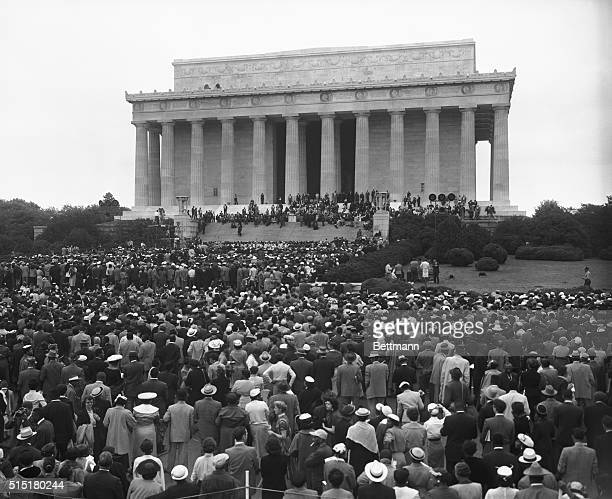 5/18/1957Washington DC A general view of the crowd estimated at 15000 Negroes from 30 states that gathered at the Lincoln Memorial yesterday to...