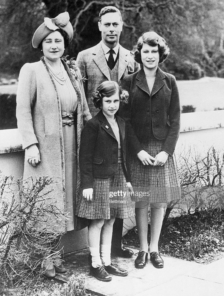 British Royal Family At Windsor Castle : ニュース写真