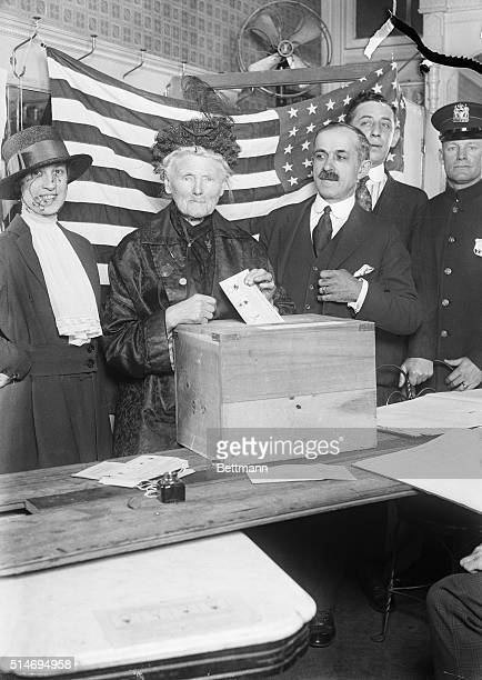 5/25/1918Mrs Anne J Curry who was the first woman to sign her name on register sheets Register sheets Registration day