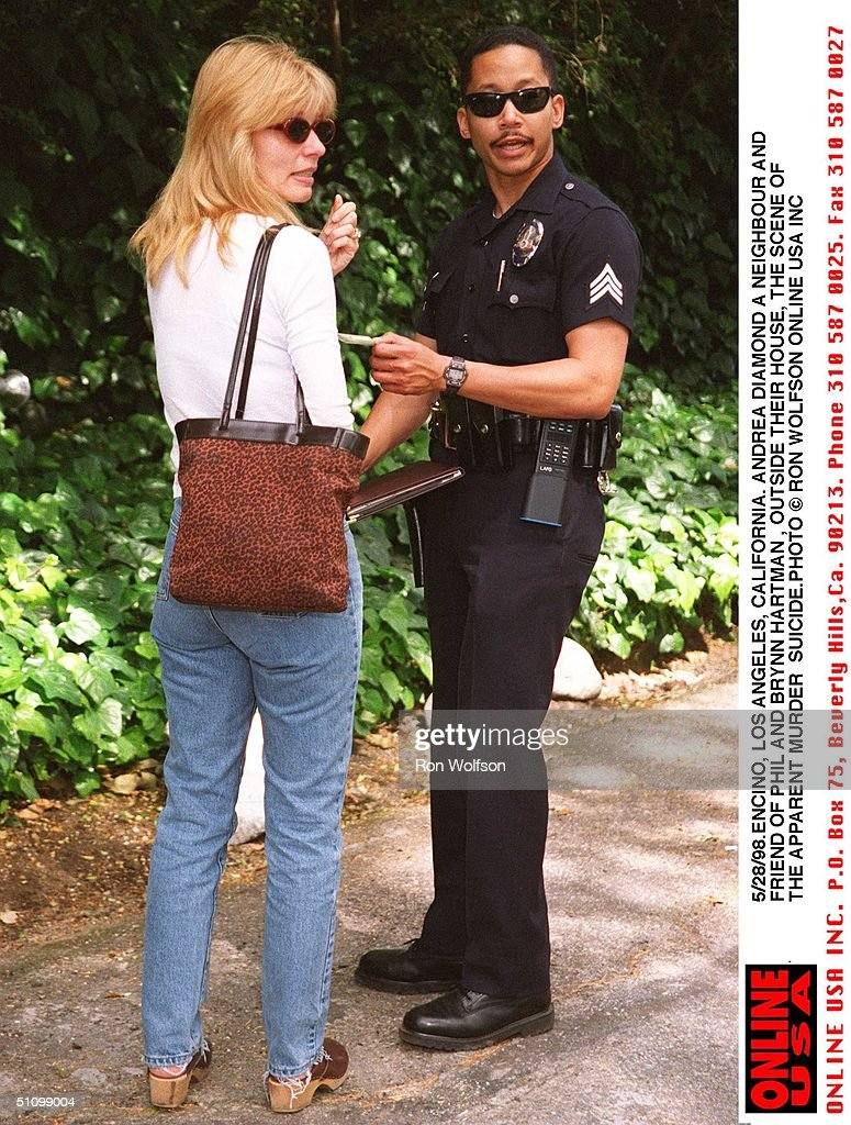 Encino Los Angeles California Neighbour And Friend Andrea Diamond Is Questioned By Police : News Photo