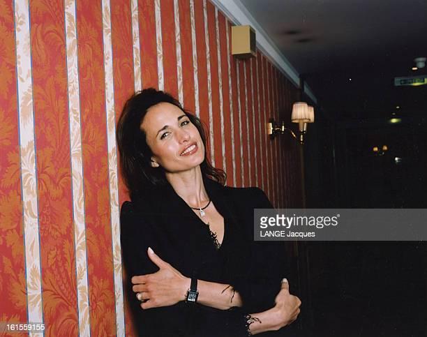 53rd Cannes Film Festival 2000 Andie Mac Dowell Rendezvous avec Andie MAC DOWELL à l'occasion du 53ème festival de Cannes Séance photo dans les...