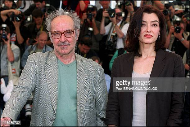54th Cannes Festival Photocall of ' Eloge a l'Amour' by JeanLuc Godard In Cannes France On May 15 2001JeanLuc Godard Cecile Camp
