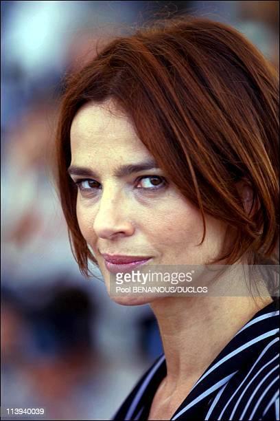 54th Cannes Film Festival Photocall La stranza del figlio by Nanni Moretti In Cannes France On May 17 2001Laura Morante