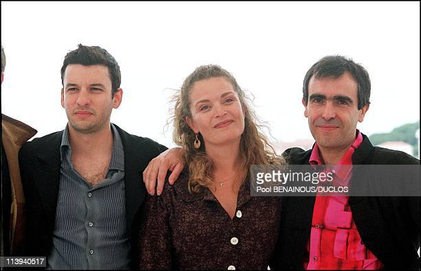 54th Cannes Film Festival Photocall of La chambre des Officiers In Cannes France On May 17 2001Francois Dupeyron Eric Caravaca Isabelle Renaud