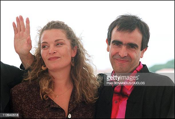 54th Cannes Film Festival Photocall of La chambre des Officiers In Cannes France On May 17 2001Director Francois Dupeyron Isabelle Renaud