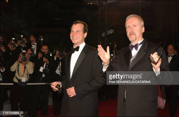 """56th Cannes Film Festival: Stairs of """"Ghosts of the abyss"""" in Cannes, France on May 17, 2003 - James Cameron and Bill Paxton."""