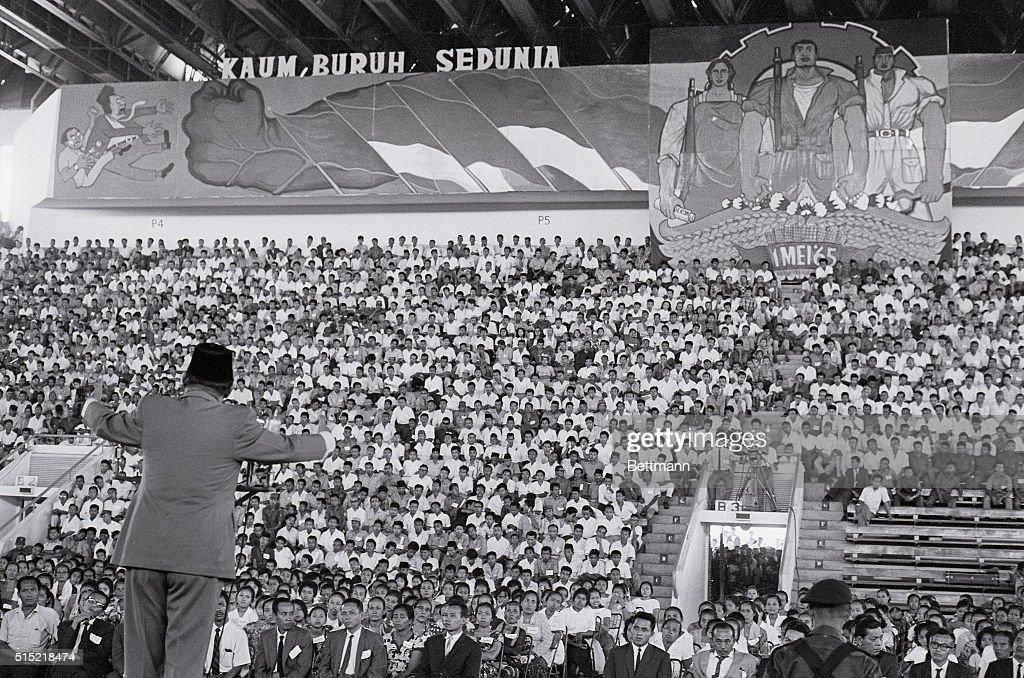 President Sukarno Addressing May Day Rally : News Photo