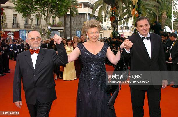 57th Cannes Film Festival Stairs of 'Zivot je cudo' in Cannes France on May 14 2004 Bosnian Culture Minister Gravrilo Grahovac Viviane Reding...