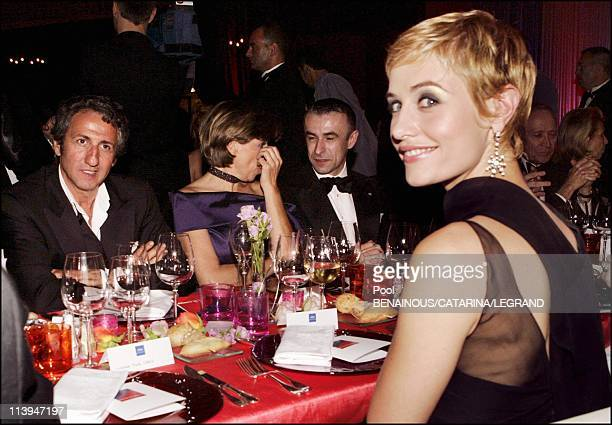 58th Cannes Film Festival Dinner for the Opening ceremony In Cannes France On May 11 2005Richard Anconina and Cecile de France Cecile de France...