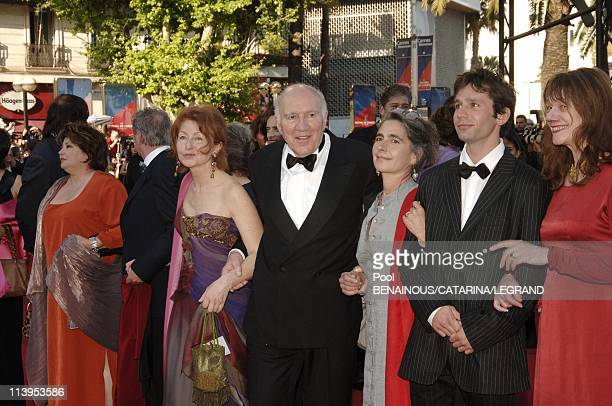 58th Cannes Film Festival Stairs of Don't come knocking a film by Wim Wenders In Cannes France On May 19 2005Michel Piccoli and cast of his film...