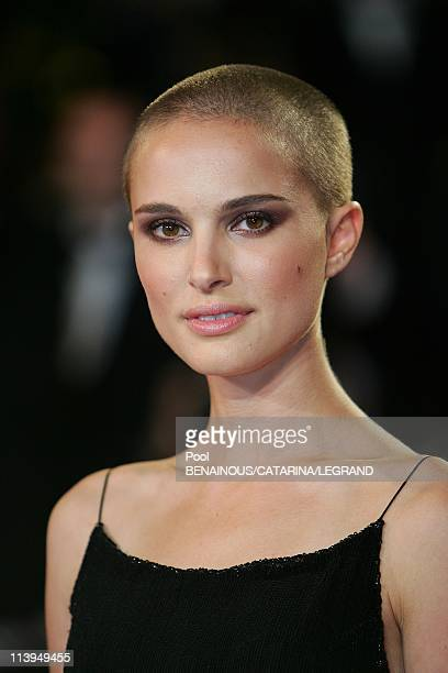 """58th Cannes Film Festival: Stairs of """"Kiss Kiss Bang Bang"""" In Cannes, France On May 14, 2005-Natalie Portman, dressed by Chanel vintage."""