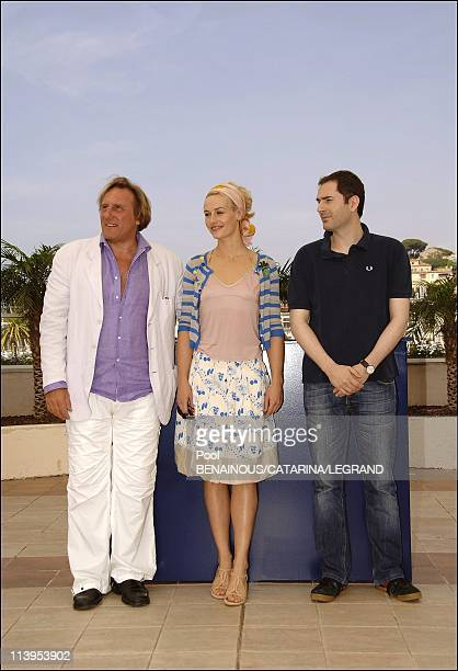 59th Cannes Film Festival Photo call of Quand j'etais chanteur in Cannes France on May 26 2006Gerard Depardieu Cecile de France Xavier Giannoli
