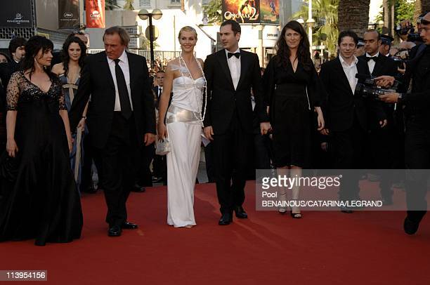 59th Cannes Film Festival Stairs of 'Quand j'etais chanteur' in Cannes France on May 26 2006Cast of the film Christine Citti Gerard Depardieu Cecile...