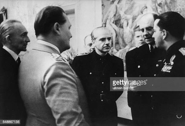 5th anniversary of the pact Reception for the foreign delegations at Hermann Goering's residency in Berlin in front of Goering from left prime...