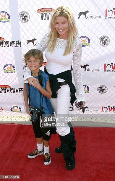 5th annual Bow Wow Ween at the Barrington Dog Park in Los Angeles United States on october 29 2006 Kimber Sissons and her son
