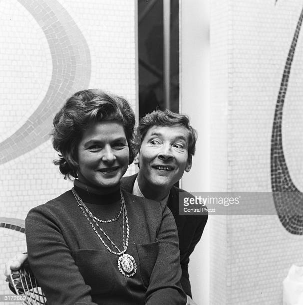 Kenneth Williams and Ingrid Bergman at a press reception at the Cavendish Hotel They starred together at London's Cambridge Theatre in Shaw's play...