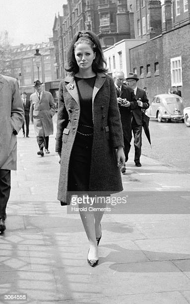 Newly divorced writer Jackie Collins in the street after leaving the divorce courts