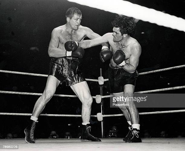 5th November 1946 Freddie Mills of Great Britain v Joe Baksi of the USA fighting at Harringay Arena