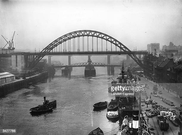 Ton bridge at Newcastle over the river Tyne which King George V is to open.