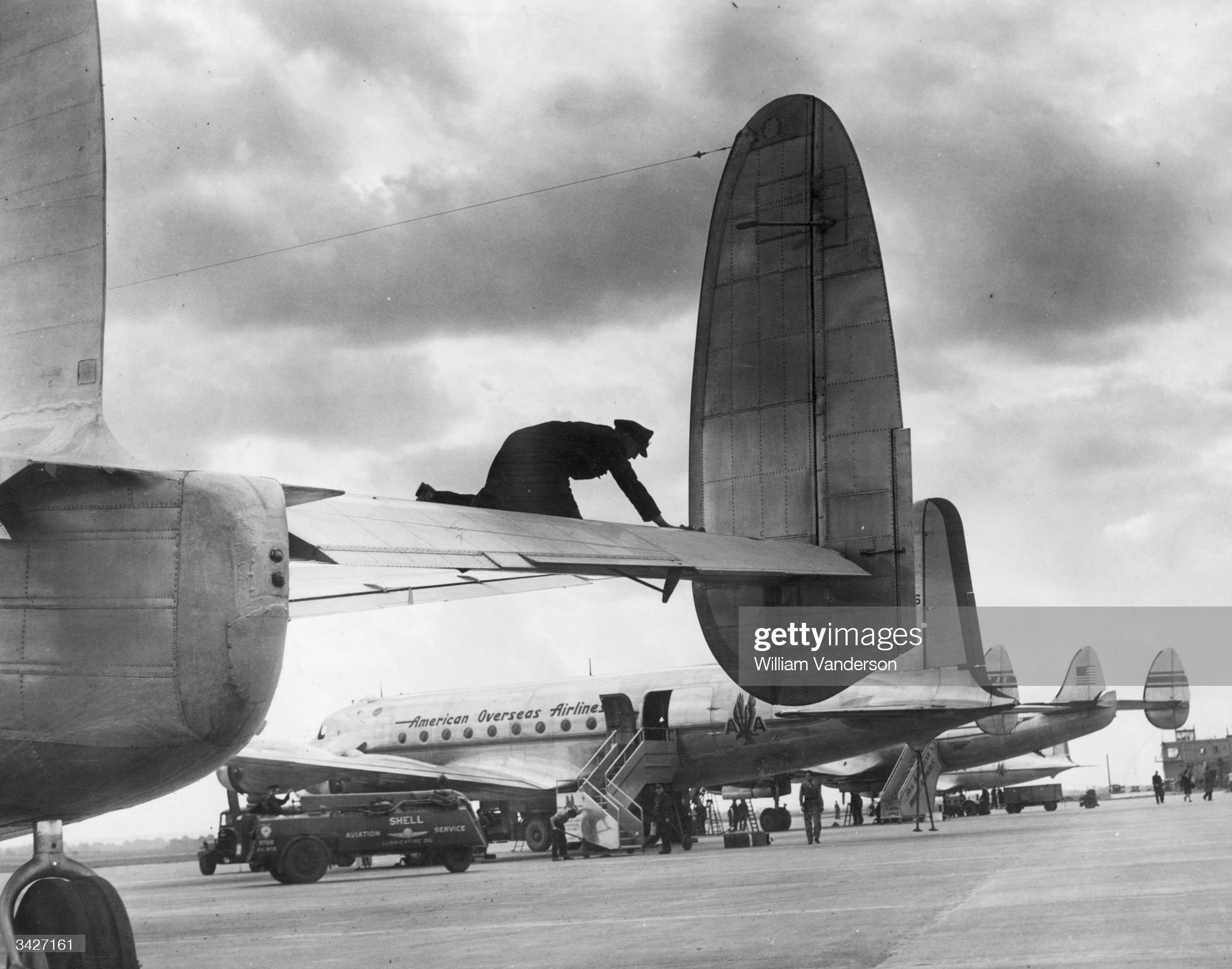 5th-october-1946-a-scene-at-london-airport-heathrow-one-of-the-worlds-picture-id3427161