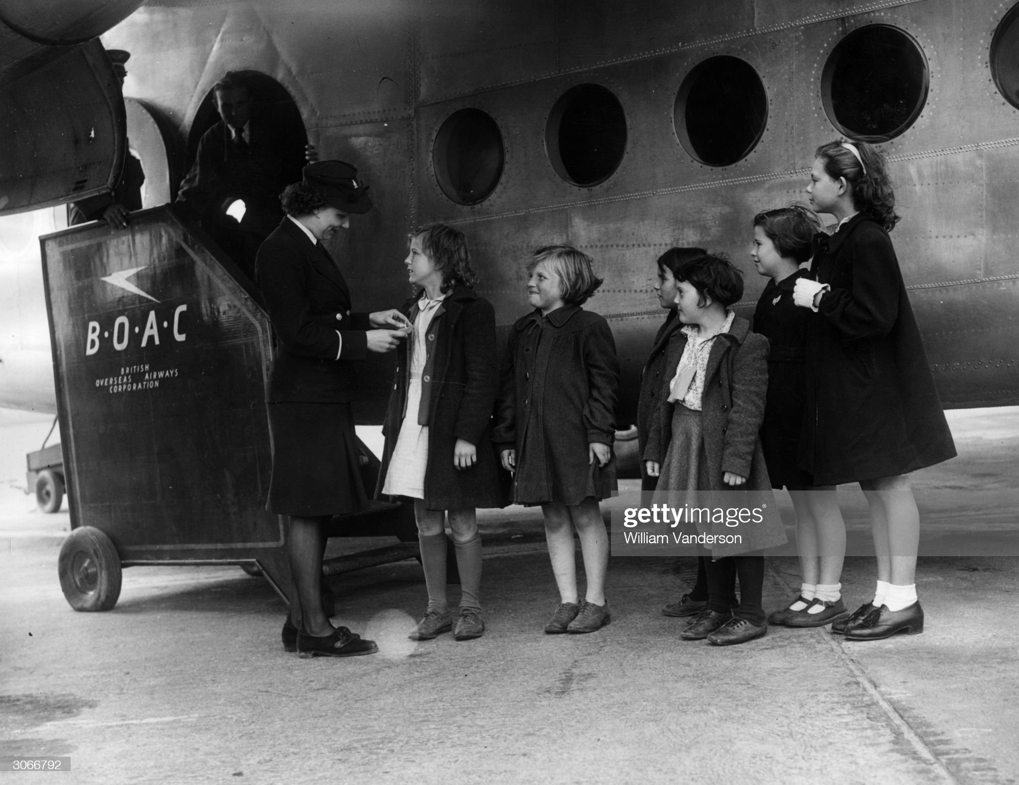 5th-october-1946-doreen-haines-a-boac-traffic-clerk-at-heathrow-with-picture-id3066792