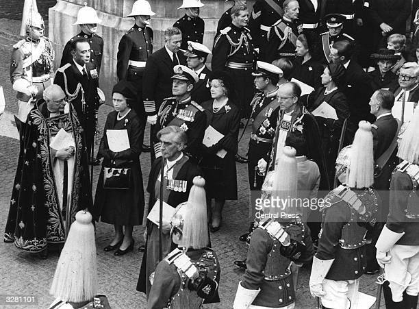 Queen Elizabeth II Prince Philip Queen Elizabeth The Queen Mother and Charles Prince of Wales leading their family at the funeral service of Louis...