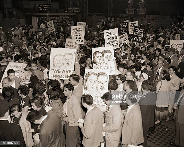 6/18/1953New York NY Demonstrators gather at Pennsylvania Station in New York June 18 to prepare for a trip to Washington where they will parade with...