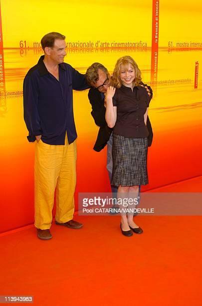 "61st Venice Film Festival. Photo call of ""Land of Plenty"" In Venice, Italy On September 09, 2004-Michelle Williams, Wim Wenders, John Diehl."