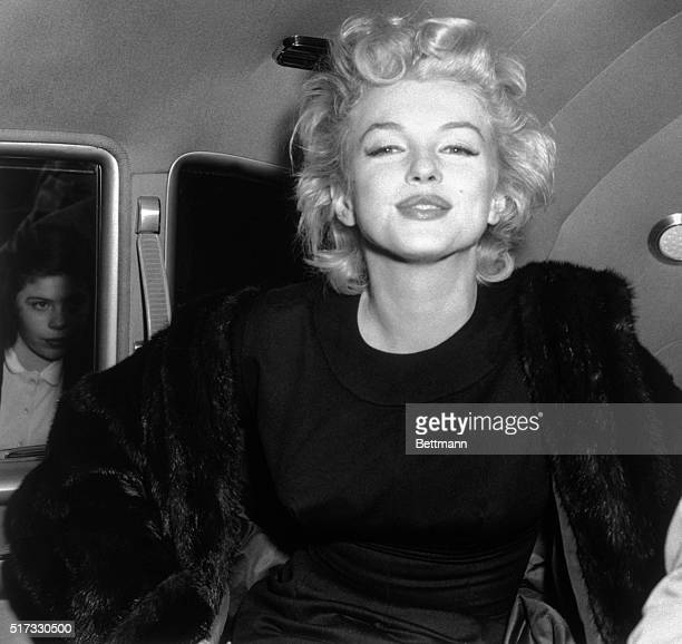 Marilyn Monroe after her arrival at Idlewild Airport from the west coast Shortly after her 30th birthday