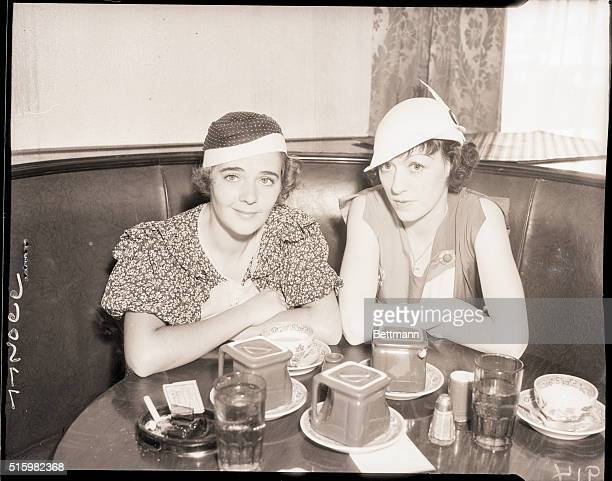 6/25/1933Beverly Hills CA Mrs Al Jolson and Evelyn Martin lunch at the Brown Derby in Beverly Hills