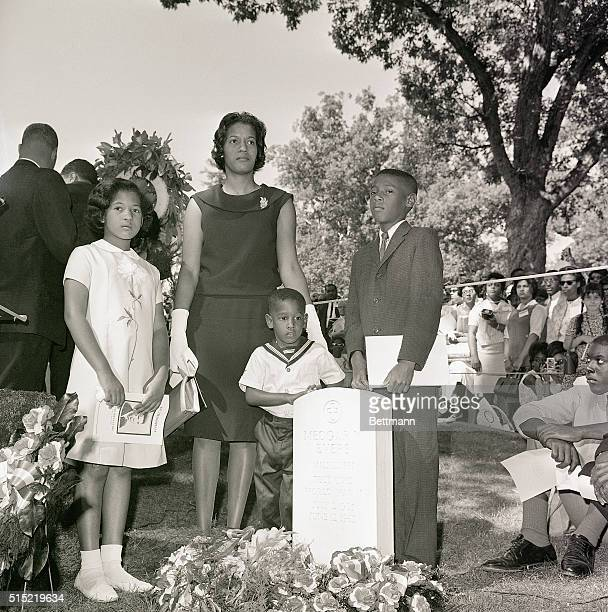 6/25/1964Arlington VA The widow of Medgar Evers joined over 2000 delegates to the NAACP convention in Washington in a pilgrimmage to his grave in...
