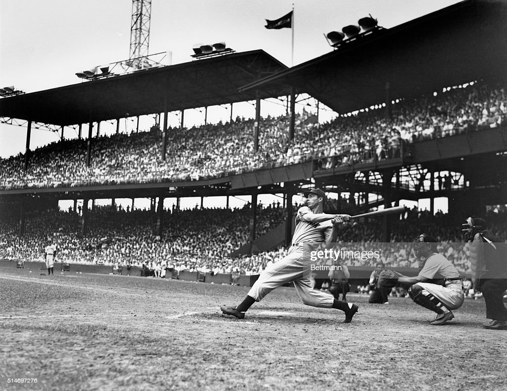 Joe DiMaggio Batting : News Photo