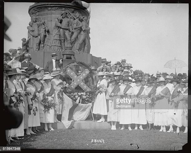 "Arlington, VA: Daughters of the Confederacy unveiling the ""Southern Cross"" monument at Arlington, VA."