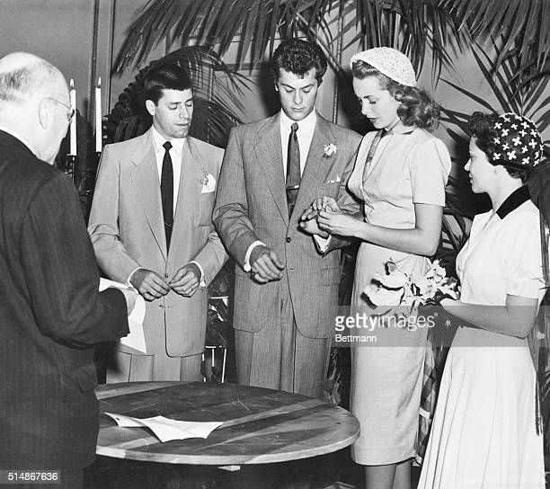 6/4/1951Tony Curtis marrying Janet Leigh Photograph