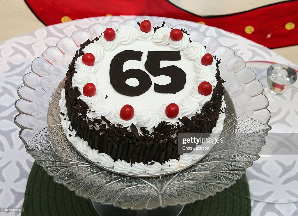 Awesome A 65Th Birthday Cake Is Presented To Prince Charles Prince Of Funny Birthday Cards Online Inifodamsfinfo