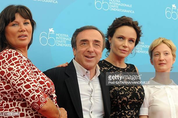 65th Venice Film Festival Photocall of the italian film ' Il Papa di Giovanna' In Venice Italy On August 31 2008Serena Grandi Silvio Orlando...