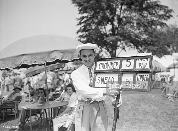 6/6/1940Cleveland OH Swinging Sammy Snead points to the figures which tell of his sensational opening round in the National Open Golfing Tourney at...